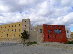 The Castle from the Sant Bernat bulwark, with the keep