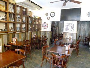 Inside bar Can Moreta, in the city centre